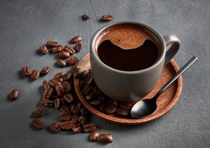 Zwarte koffie helpt je bij sneller afvallen