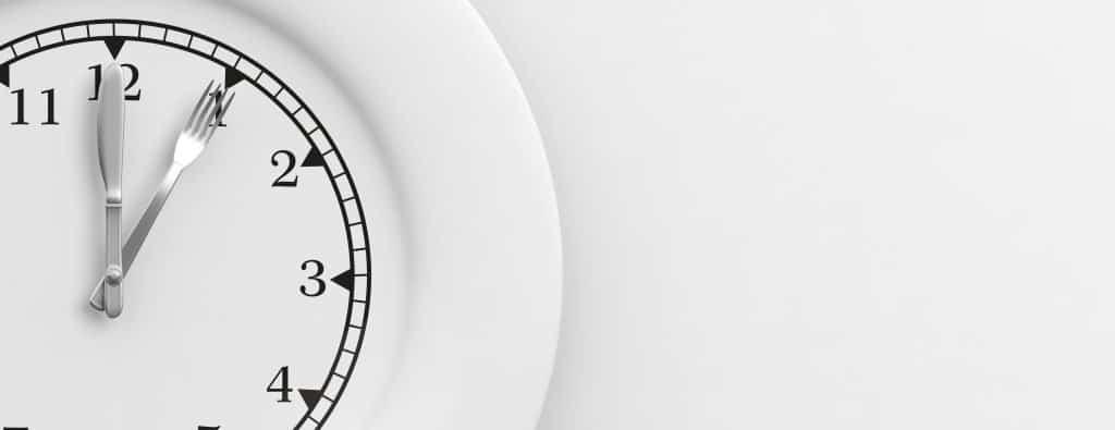 Langer over je maaltijd doen zorgt ervoor dat je minder gaat eten en dus sneller afvalt.