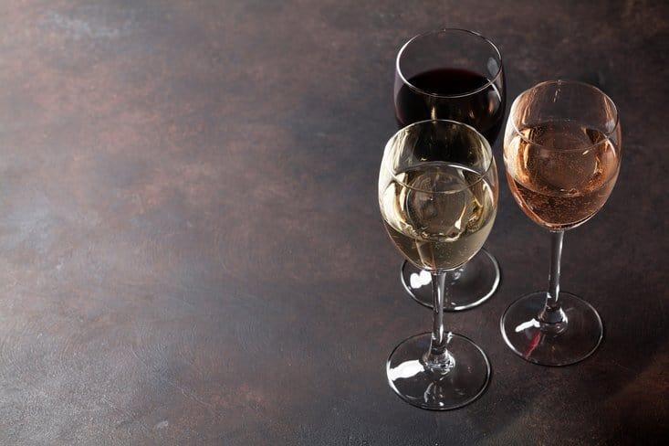 Minimaliseer je alcohol gebruik als je wilt afvallen.