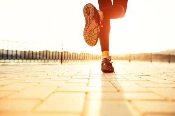 Door hardlopen kan je afvallen, maar het brengt ook risicio's met zich mee