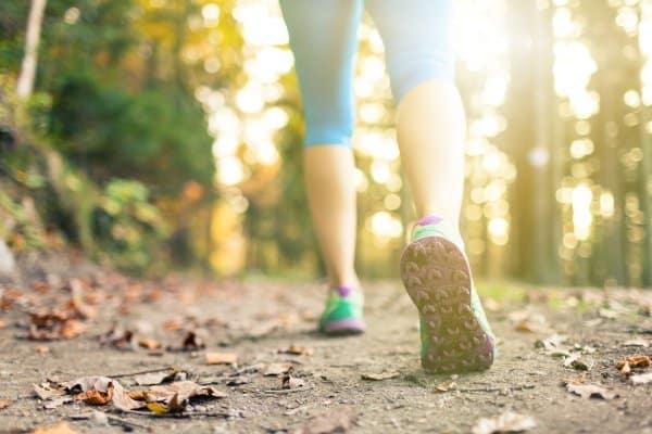 Afvallen door te wandelen kan een goede manier zijn om te beginnen