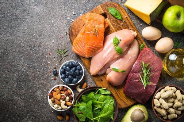 Koolhydraatarm eten is key voor afvallen