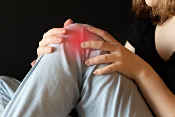Wandelen kan pijn in de knie verminderen