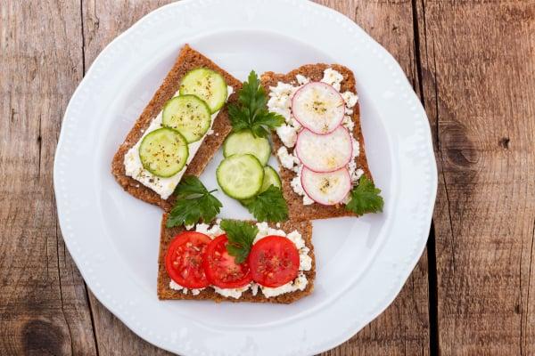 Affvallen zonder sporten lukt als je gezonde snacks eet