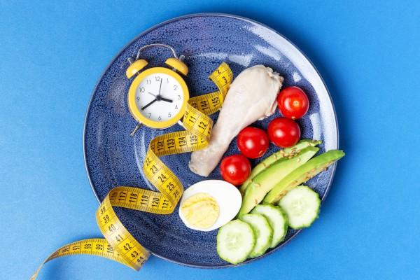 Vasten geeft je lichaam de tijd om overtollig vet te verbranden