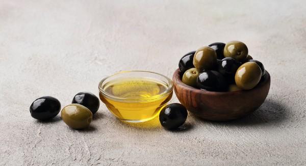 ZIjn olijven gezond? Groen en zwart zijn beide gezond