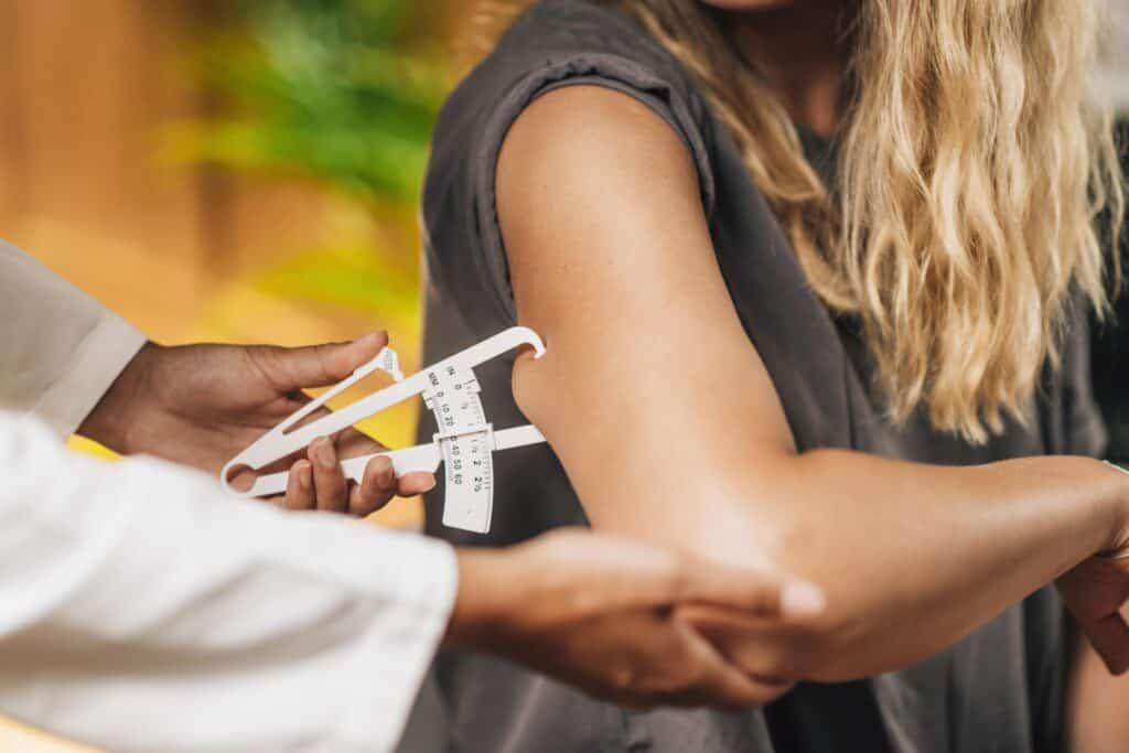 vetpercentage vrouw meten met huidplooimeting